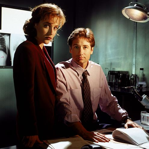 xfiles-first-season-promo-shoot-001-small.jpg