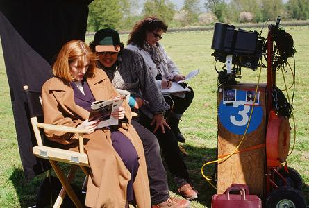 xfiles-our-town-set-david-duchovny-gillian-anderson-006-small.jpg
