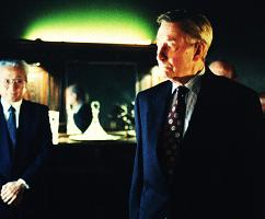 xfiles-syndicate-john-neville-william-b-davis-armin-mueller-stahl-007-small.jpg