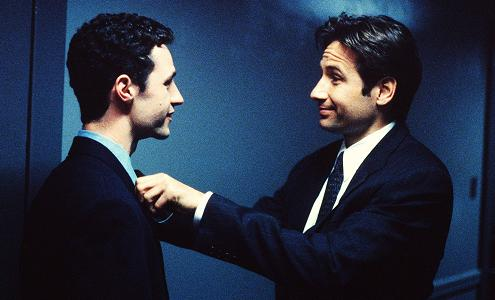 xfiles-the-end-set-david-duchovny-chris-owens-001-small.jpg