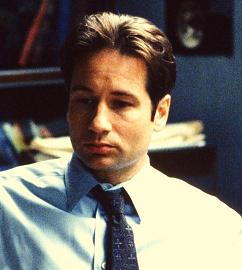xfiles-the-red-and-the-black-set-david-duchovny-002-small.jpg