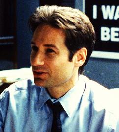 xfiles-the-red-and-the-black-set-david-duchovny-003-small.jpg